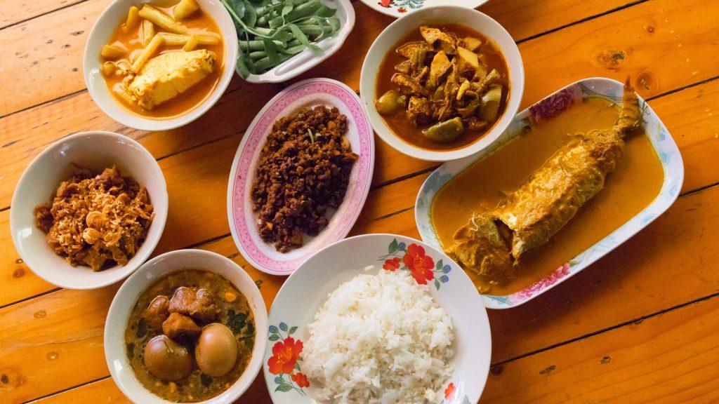 การเมืองแหลงไม่หรอยบนโต๊ะอาหารในท่วงทำนองของครอบครัวชาวใต้